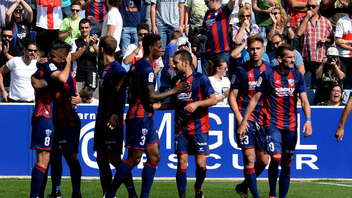 El Huesca, sorprendente líder de la Liga123.