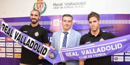 Borja Fernández (izq.) y Pablo Hervías (dcha.) durante su presentación con el Real Valladolid.