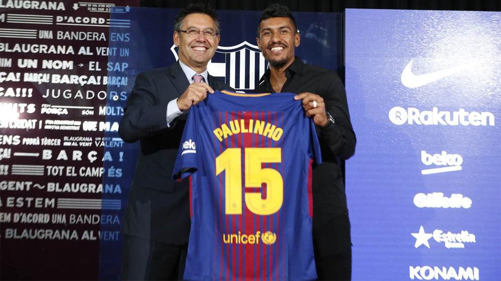 Paulinho en su presentación con el FC Barcelona.