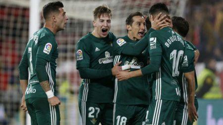 El Betis empezó 2018 a lo grande batiendo al Sevilla.