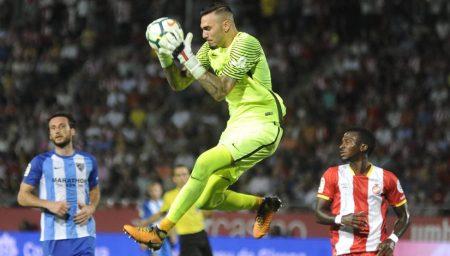Roberto tuvo un buen desempeño pero no pudo evitar la mala campaña del Málaga