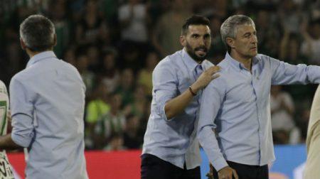Tanto Quique Setién como Éder Sarabia acabaron expulsados en el último partido de los verdiblancos.
