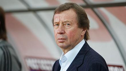 Yuri Siomin en el banquillo del Lokomotiv Moscu.