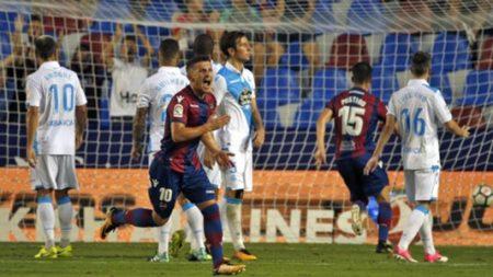 El Levante se la tiene tomada al Deportivo.