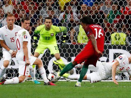 El remate de Renato Sanches que ponía el 1-1 en la pasada Euro.