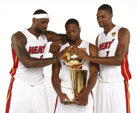 "El ""Big Three"" de Miami, James-Wade-Bosh, dio alegrías y espectáculo."
