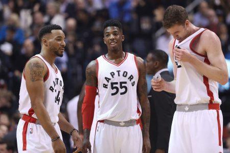 Powell, Delon Wright y Jakob Poeltl, miembros del banquillo de Toronto, el más brillante de la NBA.