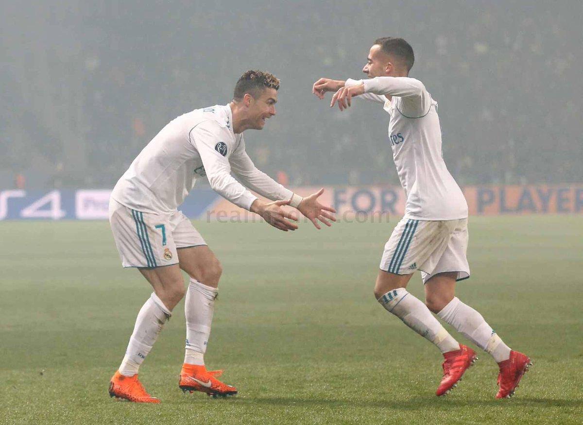 Cristiano y Lucas Vázquez celebran un gol ante el PSG.