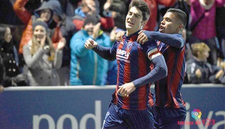 Melero y ''Cucho'' Hernández son las dos grandes revelaciones de esta temporada en la SD Huesca.
