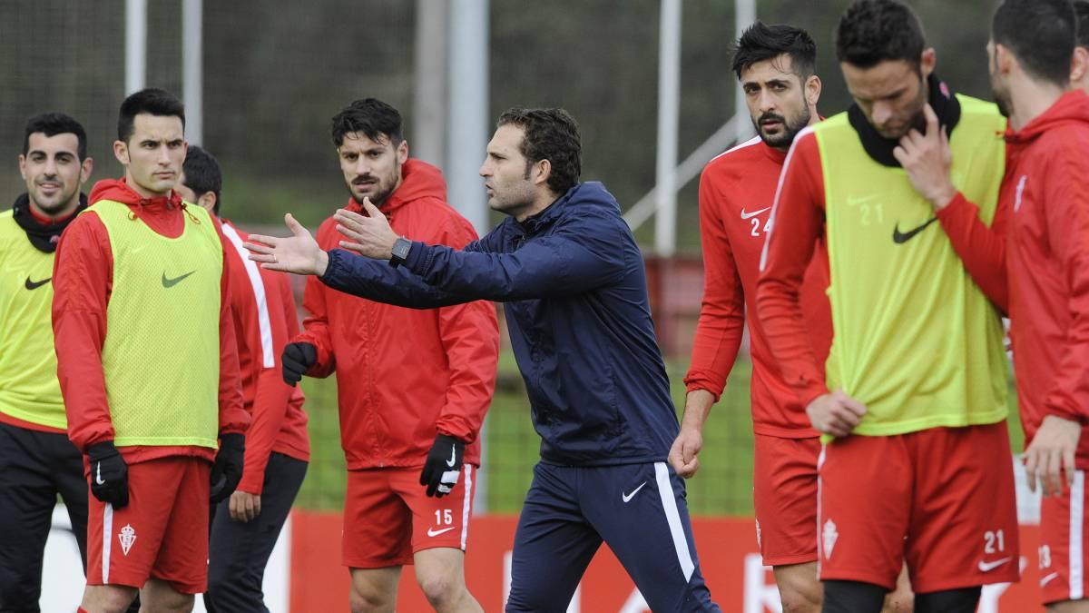 El Sporting de Gijón con Rubén Baraja es claro aspirante al ascenso.