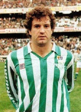 Luis Miguel Gail en un partido con el Real Betis Balompié.