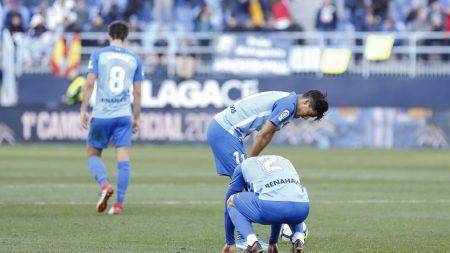 La desolación de los jugadores tras el descenso del Málaga.