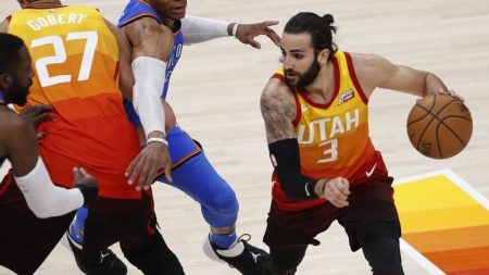 Ricky Rubio juega Pick and Roll con Gobert. I.eurosport