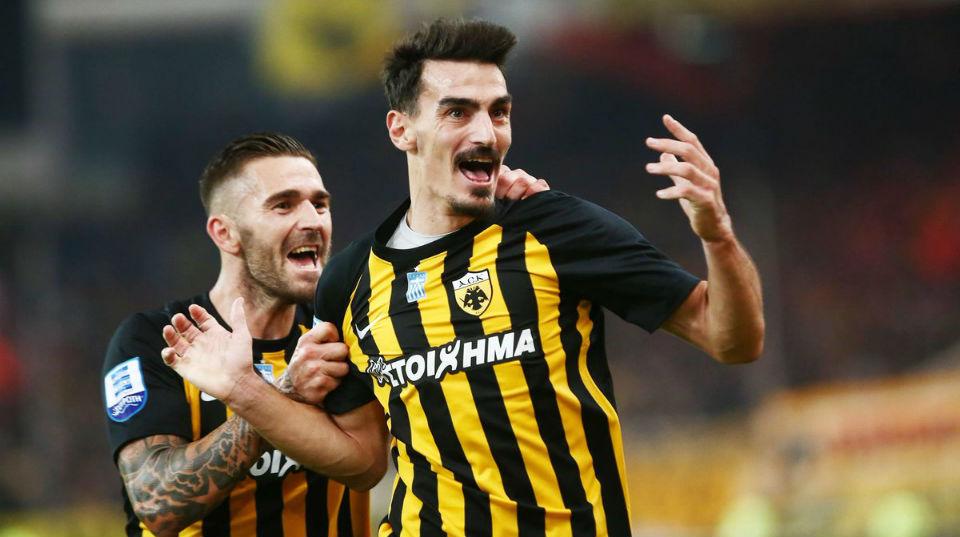 Celebración de los jugadores del AEK