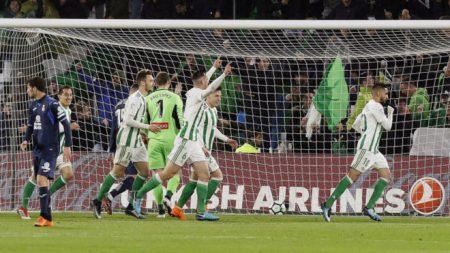 Ryad Boudebouz cuajó su mejor partido frente al Espanyol.