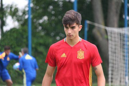 Ferrán Torres entrenando con la sub 19