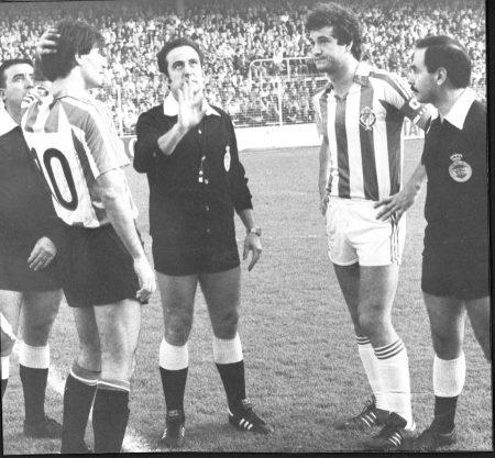 Luis Miguel Gail antes de comenzar un partido con el Real Valladolid.