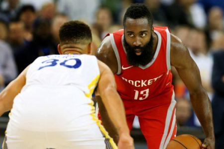 Game 1 entre Rockets y Warriors.