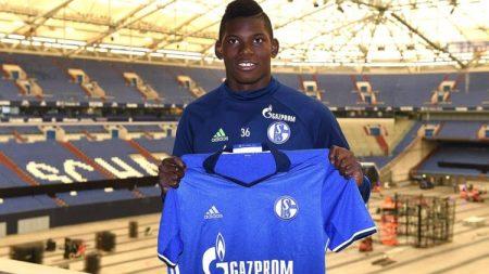 Embolo Schalke 04 Suiza