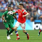Golovin levanta la mano en Rusia