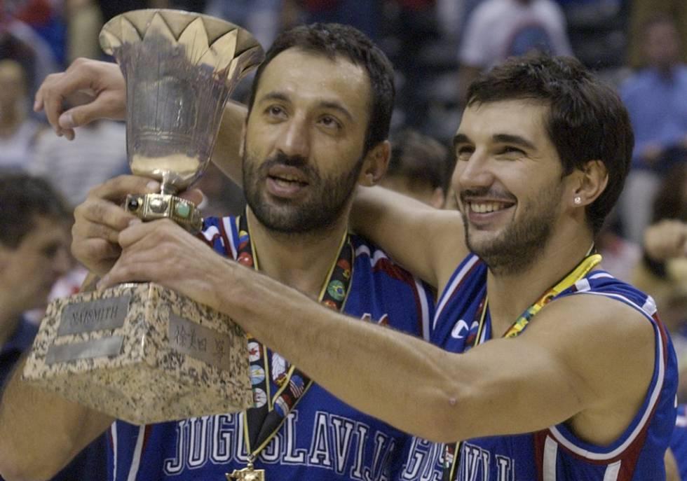 Selección Yugoslava Stojakovic y Divac
