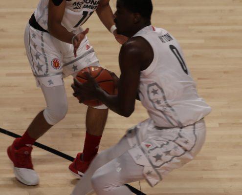 Ligas de Verano NBA Trae Young y DeAndre Ayton