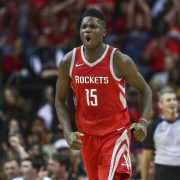 Capela renueva con Houston Rockets