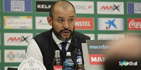 Nuno con el Valencia en Champions