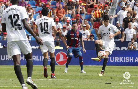Carlos Soler Valencia 2018-19