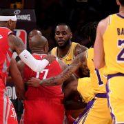 La NBA aplica sanciones tras la pelea entre Paul y Rondo