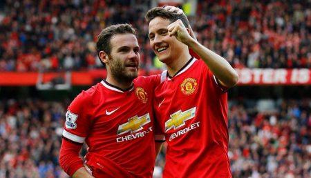 jugadores que acaban contrato en 2019: Juan Mata Ander Herrera Manchester United