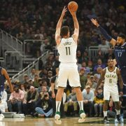 Brook Lopez, el 'factor X' de los Milwaukee Bucks