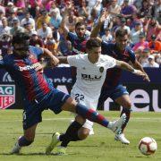 Estadísticas y cómo juega Santi Mina, el último bastión del Valencia