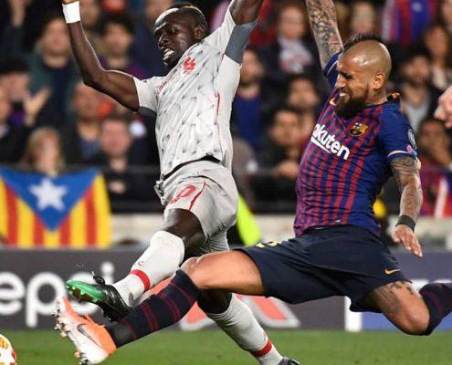 Arturo Vidal vs Liverpool - Champions 2018-19