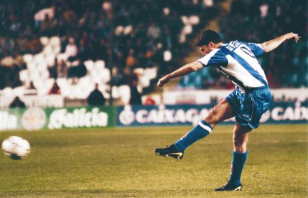Diego Tristán representa, para lo bueno y para lo malo, el fútbol de antes