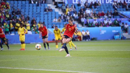 Jennifer Hermoso anotó un doblete para ganar a Sudáfrica.