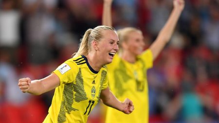 Blackstenius celebra el único gol del partido. Imagen vía: fifa.com