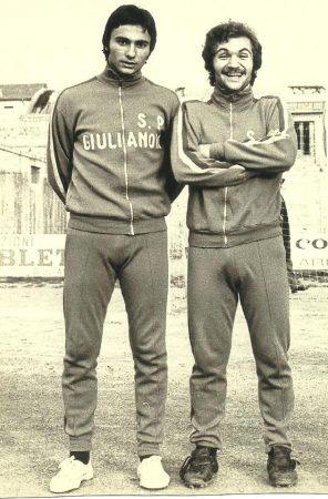 Renato Curi, derecha, en sus años de jugador del Giulianova Calcio.