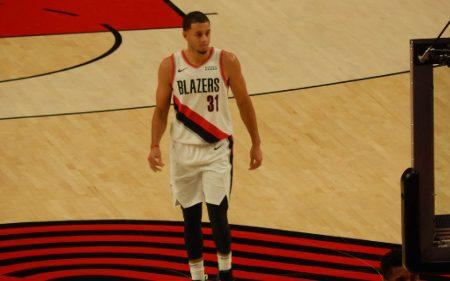 Seth Curry, a shooter for the Dallas Mavericks 2019-20 squad.