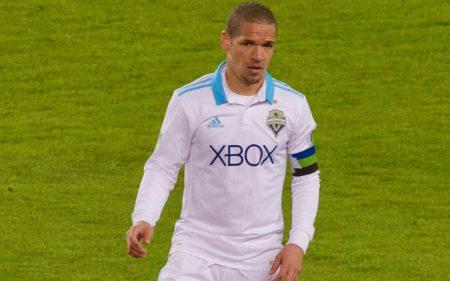 Osvaldo Alonso, el cubano leyenda de Seattle Sounders.