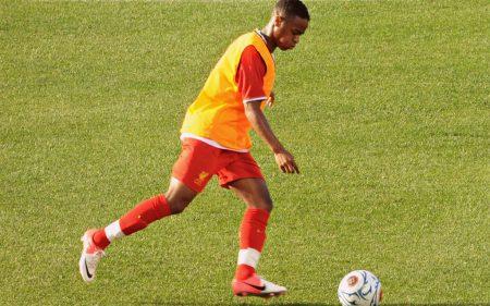 Raheem Sterling, antes de un partido con el Liverpool.