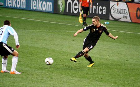 Lukas Podolski triunfó más con la Selección de Alemania que en clubes.