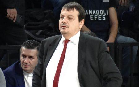 Ergin Ataman, entrenador del Anadolu Efes.