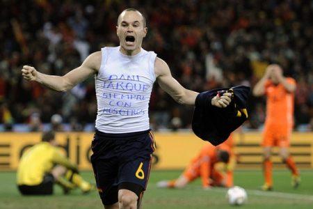 Iniesta celebra el gol que le daba a España su 1º Mundial, en Sudáfrica 2010.