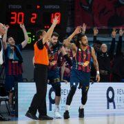 El renacer del carácter Baskonia paraliza al Barcelona (76-74)