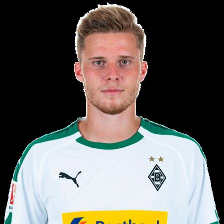 Jugadores y plantilla del Borussia M'Gladbach 2019-2020 - Nico Elvedi