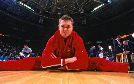 Luc Longley era uno de los jugadores de los Chicago Bulls 1997-1998.