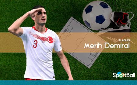Merih Demiral, turco, es uno de los centrales con más futuro del mundo.