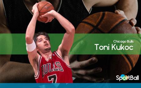 Toni Kukoc lideraba la plantilla de los Chicago Bulls 1997-1998 desde la segunda unidad.