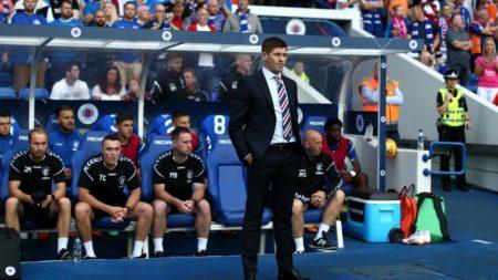 ¿Dónde ha entrenado Gerrard? ¿Qué estilo tiene como entrenador?